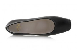 Eye 772: Leather Upper, Leather Lined, Rubber Sole