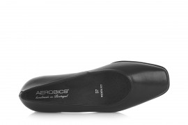 AEROBICS WIDER FIT BL5980 BLACK: LEATHER UPPER. LEATHER LINED RUBBER SOLE.