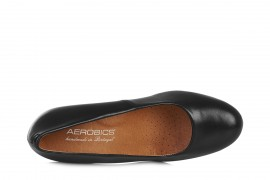 AEROBICS PRAGUE BL5722 BLACK: LEATHER UPPER, LEATHER LINED RUBBER SOLE.