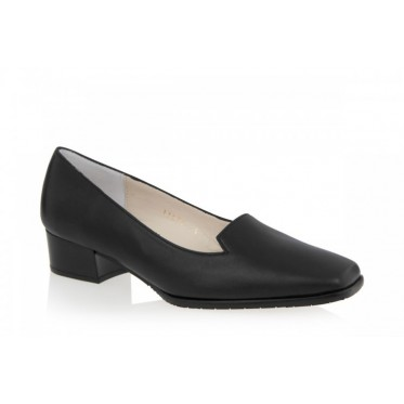EYE 8637: LEATHER UPPER, LEATHER LINED, RUBBER SOLE.