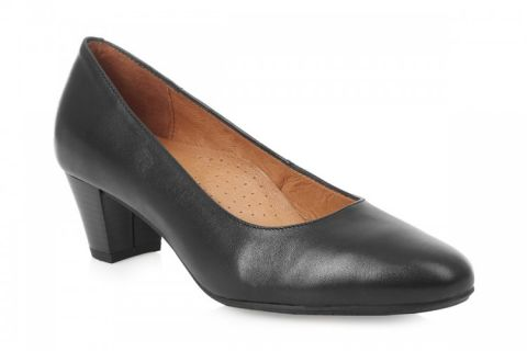 AEROBICS FRANCE BLACK: LEATHER UPPER LEATHER LINED RUBBER SOLE.