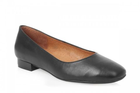 AEROBICS SQUINT BLACK: LEATHER UPPER, LEATHER LINED, RUBBER SOLE