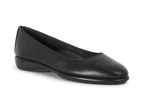 AEROBICS DANCE: LEATHER UPPER, LEATHER LINED, RUBBER SOLE.